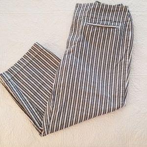 Liz Claiborne Capri pants